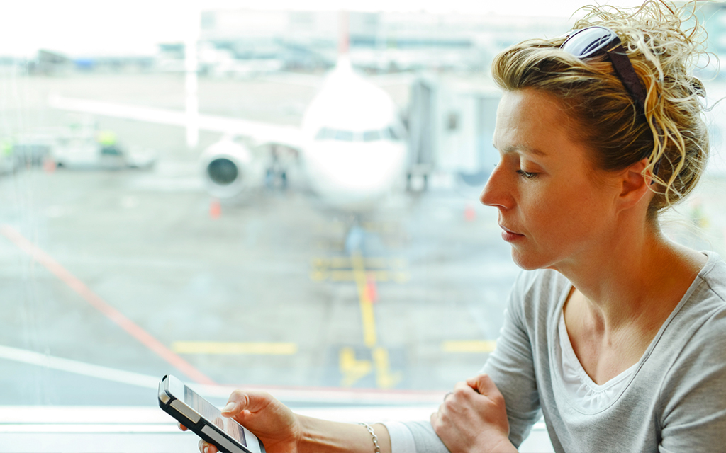 Five Tips for Polite In-flight Mobile Device Use