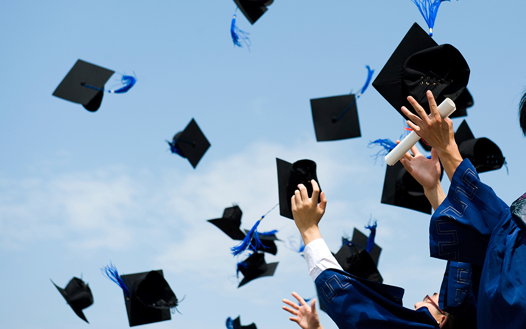 Capturing Memories: Graduation, Photos and the Verizon Cloud