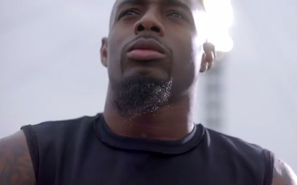 Verizon and Professional Football Player William Gay Team Up for New HopeLine Campaign