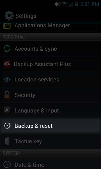 En Settings, selecciona Backup & reset