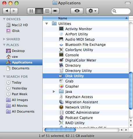 Utilites folder with focus on selecting disk utility