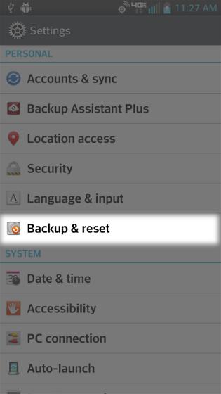 En Settings, selecciona Backup & reset