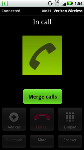 Pantalla de llamada conectada con fusión de llamadas