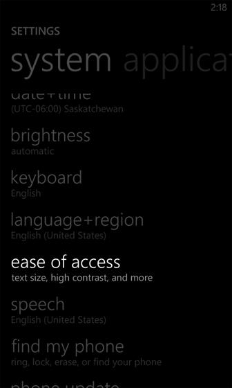 Settings, selecciona ease of access